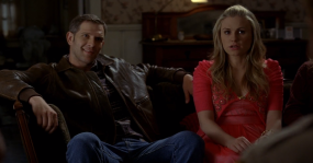 "True Blood Season 5 ""Save Yourself"" - Corbett & Sookie Stackhouse"